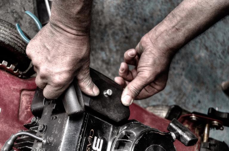 Безопасная работа с мотоблоком
