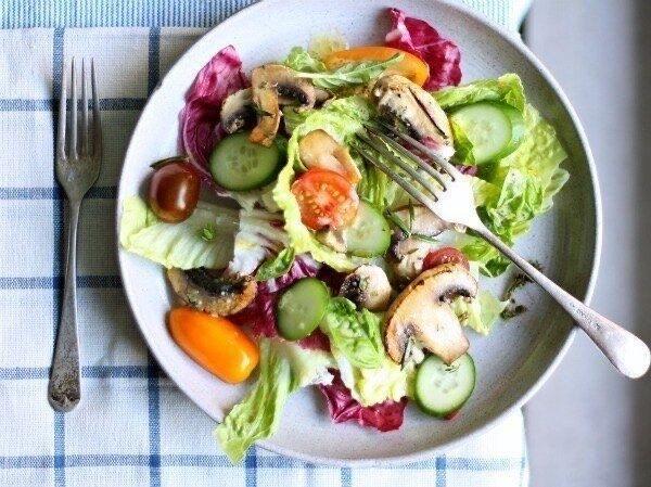 """Салат """"3 правила"""": простий смачний легкий"""